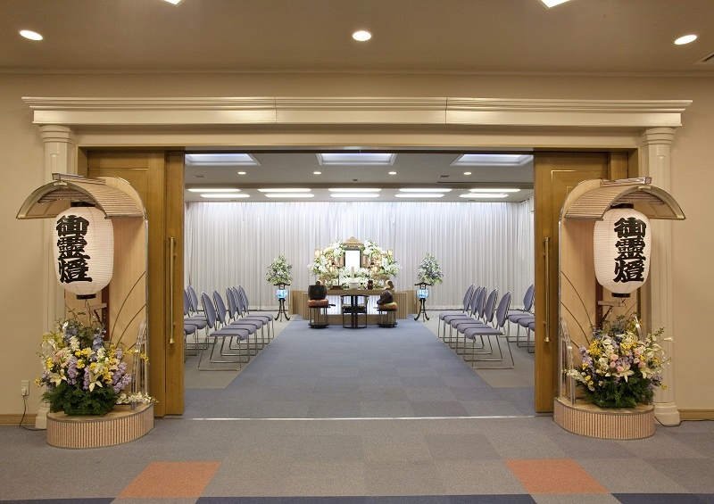 【平安祭典 亀戸】<br /> ウェルライフホール平安祭典 亀戸は、家族葬から弔問客の多い葬儀まで対応出来るセレモニーホールです。