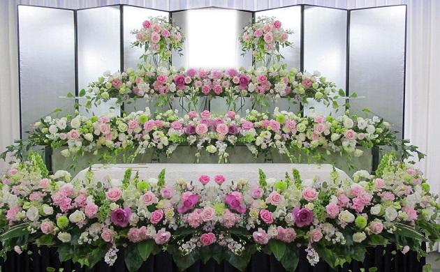花祭壇のお葬式も承ります