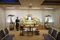 3F 葬儀式場(各40席)<br /> 家族葬に最適な葬儀式場