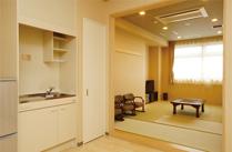 ご遺族控室(シャワールーム付)<br /> 2階と3階に各1部屋ございます<br />