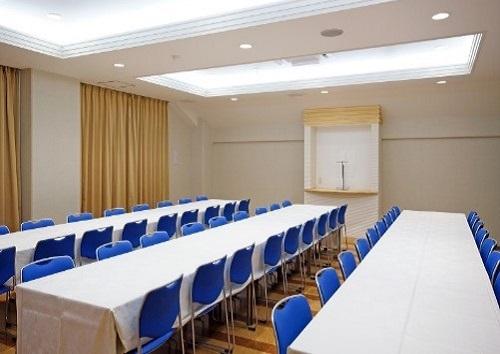 【3階 お清め所54席】<br /> ゆとりある広さの会食場。ご弔問のお客様を充分におもてなしすることが出来ます。