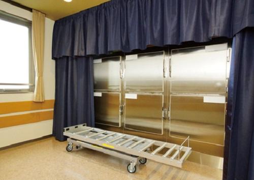 【御安置室】<br /> 安心の保冷設備を完備。個人様を大切にお預かり致します。<br />